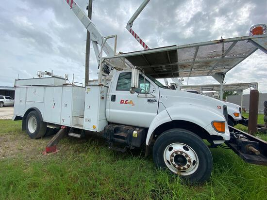 2002 Fore F750 Bucket Truck