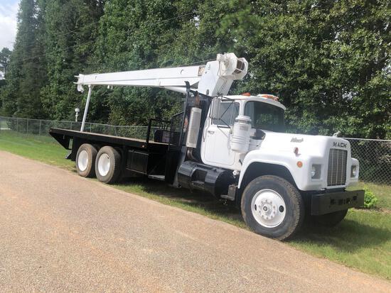 1985 Mack R686ST T/A Truck with RO Stinger 145-63 Crane