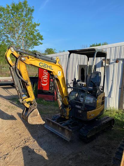 2016 Gehl Z17 Compact Excavator