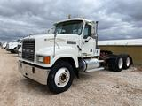 2006 Mack CHN613 T/A Daycab Truck Tractor