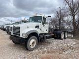 2014 Mack GU713 T/A Daycab Truck Tractor