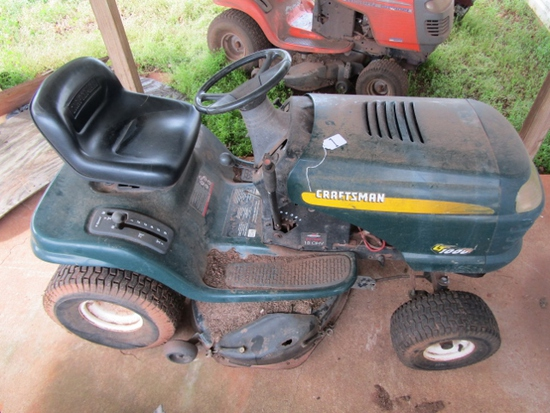 Craftsman L T 1000 Riding Lawn Mower ( Pick Up Only )
