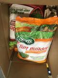 Scotts Turf Builder SummerGuard Lawn Food and WinterGuard Fall Lawn Food