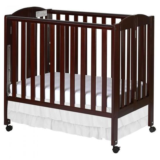 Dream On Me 3 in 1 Folding Portable Crib (Color May Vary)