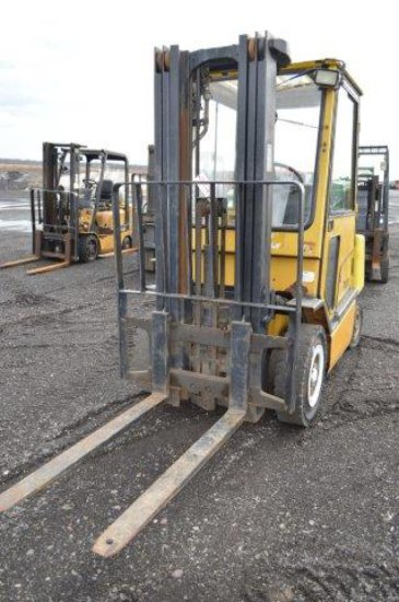 YALE FORKLIFT W/7,524 HRS, 4750# LIFT, CAB, GAS