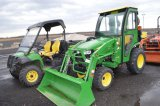 JD 2025R W/ H130 LOADER, 4WD, CAB, HEAT, 51 HRS, HYDRO, 3PT, PTO, (LIKE NEW