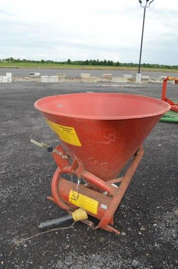First Choice 500, 3pt. PTO Drive, Broad cast spreader