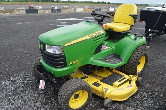"JD X720  W/ 556 hrs, Ultimate lawnmower, 62"" deck, Pro cutting system, 4x4,"