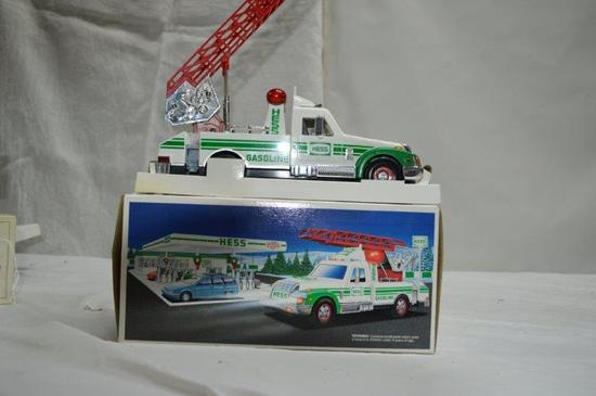 Hess rescue truck w/ lights and sounds