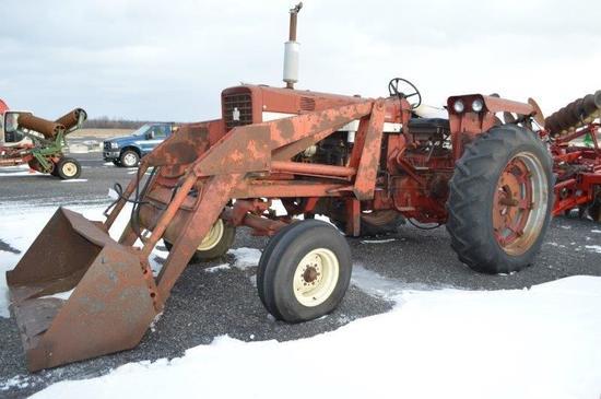 IH Farmall 544 Tractor w/ loader, diesel, 2 remotes, 540 PTO, 5134 hrs, 15.