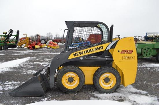 NH L213 Skid loader w/ 3,138 hrs, manual quick attach, (like new)