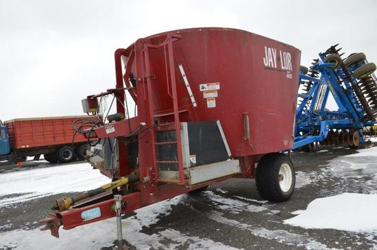 Jay-lor 4425 vertical single screw feed mixer w/ side incline conveyor disc