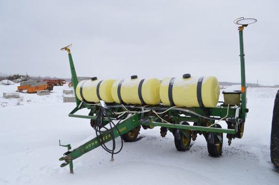 JD 7000, 6 row, notill planter, w/ soy & corn meters, liquid fert, moniter
