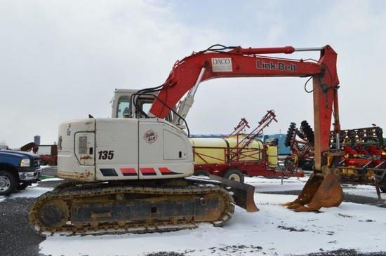 Link - Belt 135 Spin Ace excavator, 8,420 hrs, 7' front blade, 18'' bucket,