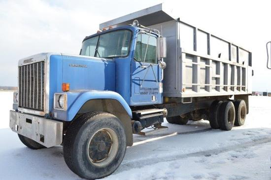 '86 GMC General dump truck w/ 19' steel dump, Detroit motor, 8LL trans, Hen