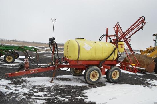 Hardi 500 gal sprayer, w/ 45' booms, 540 PTO, controls