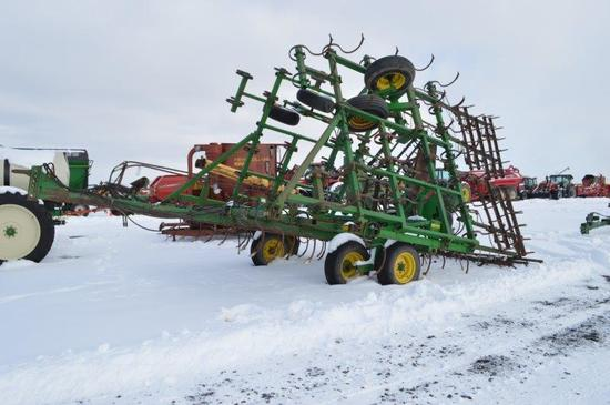 JD 32' Field culivator w/ levling tines, s shank's, walking beam tandems