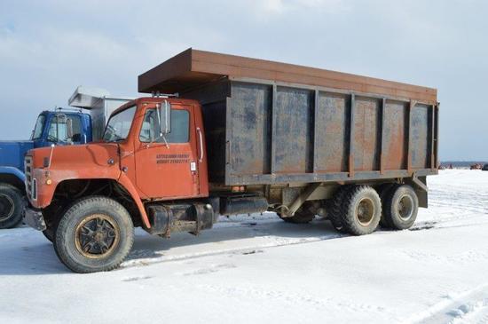 '80 Int Loadstar 1800 10 wheeler truck, w/ 16' steel grain dump, gas, 9 00-