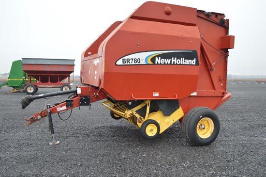 NH BR780A round baler w/ string tie, 1,000 PTO, moniter and manuel in offic