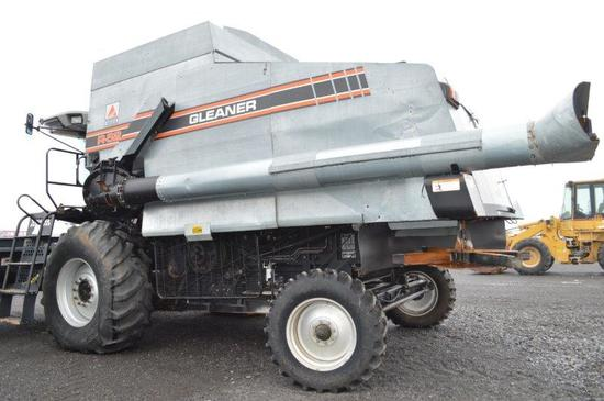 Gleaner R-62 Rotor combine w/ 5,951/4,304 hrs, hydro, 2wd, 24.5R32 rubber