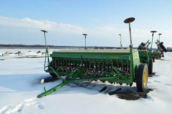 JD 8300 12' grain drill w/ seeder, double disc, marker arms, 7.50-20 marker