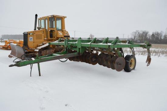 JD 712 11 shank chisel plow