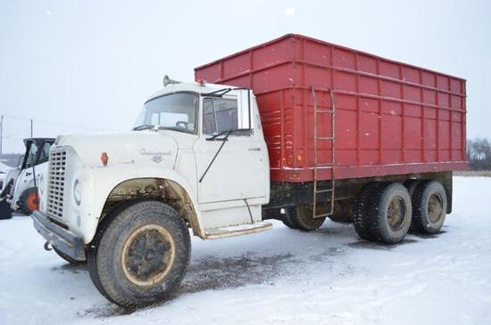 '64 IH 1800 Tandem truck w/ 16' bed & hoist, V8, gas, twin screw, VIN# 6180