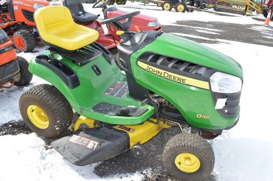 JD D110 lawn mower w/ 155 hrs.