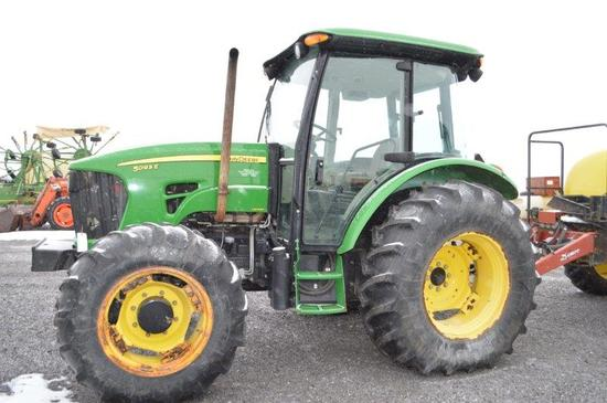 '13 JD 5093E Limited w/ 826 hrs, 4wd, loader controls, 7 speed w/ left hand
