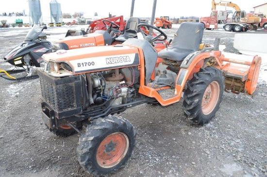 Kubota B1700 lawn tractor w/ 1,800 hrs, 4wd, 3pt, 540 PTO, HST, diesel