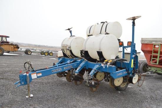 '08 Kinze 3000 4 row corn planter w/ liquid fert, trash cleaners, notill co