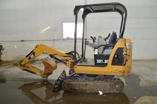"CAT 301.8C mini excavator w/ 2,225 hrs, rubber tracks, CAT 14"" digging buck"