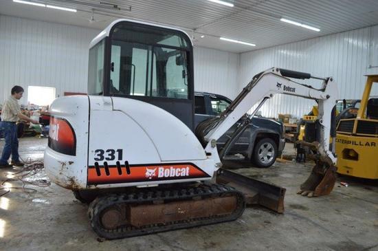 """'03 Bobcat 331 D-Series mini excavator w/ 4,361 hrs, hyd. thumb, 11"""" diggin"""
