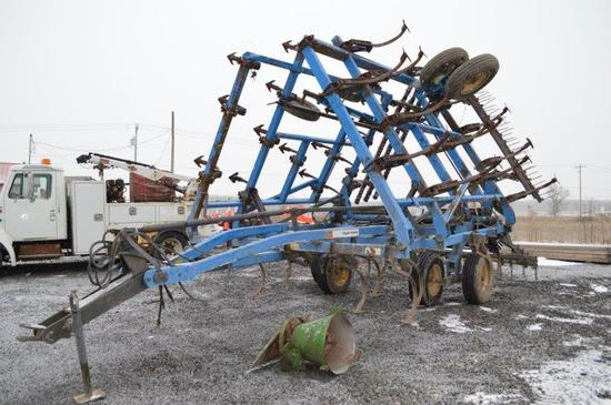 DMI Tiger-Mate 28ft field cultivator w/ leveling tines, knock-on teeth, wal