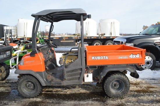 Kubota UTV 900, 2,900 hrs, 4wd, hyd dump, diesel
