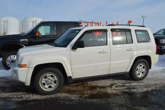 '10 Jeep Patriot w/ 223,000 miles, 4wd, gas, VIN# 1J4NF2GB3AD614651
