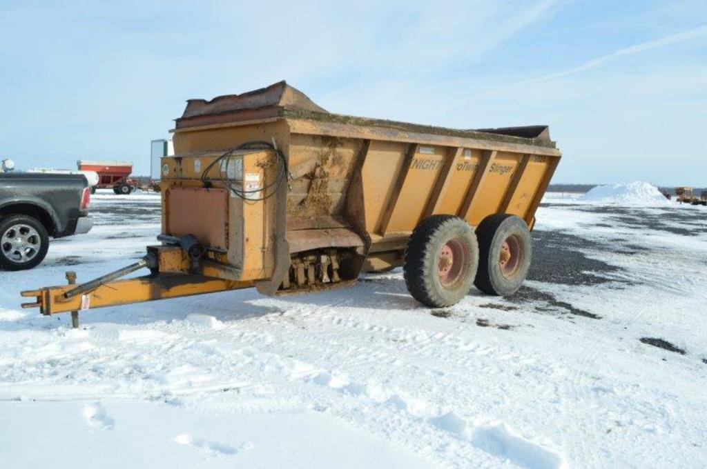 Knight 8024 Protwin side slinger spreader, Tandems