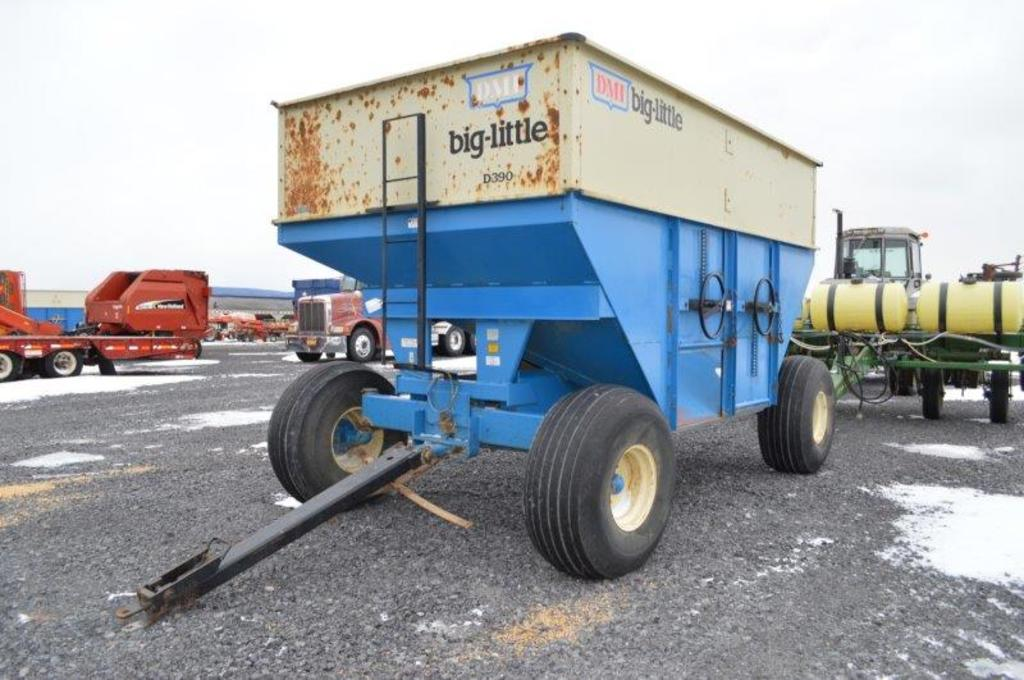 DMI D-390 Bin wagon, 390 bu, 16.5L16.1 tires, Double door