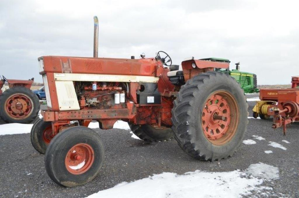 IH Hydro 100 tractor w/ 7,190 hrs, 2wd, 540/1,000 PTO, open station, 2.8-38