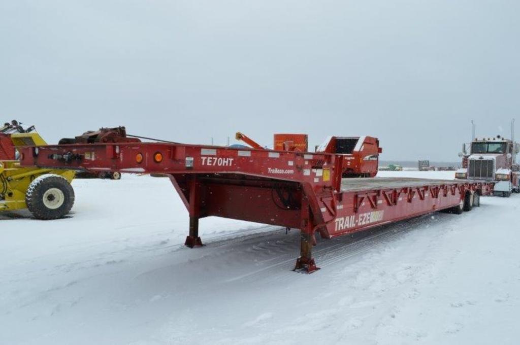 '05 Trail - EZD 35 ton, 45' equipment trailer, hyd winch, hyd beaver tail,