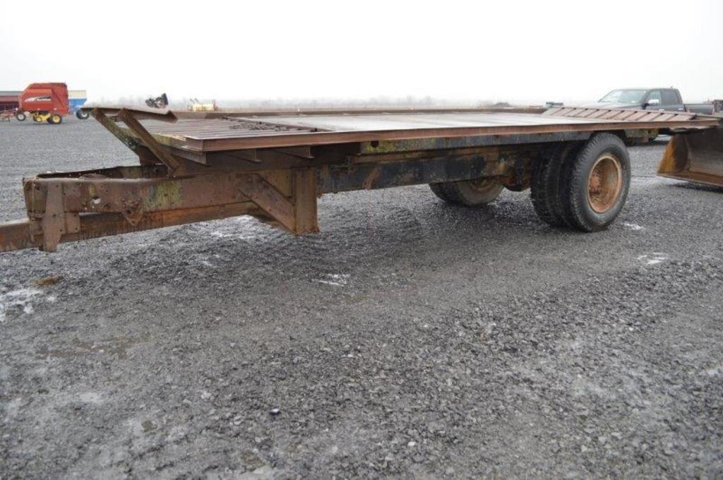 Heavy duty 22'x9' bale trailer (no title)