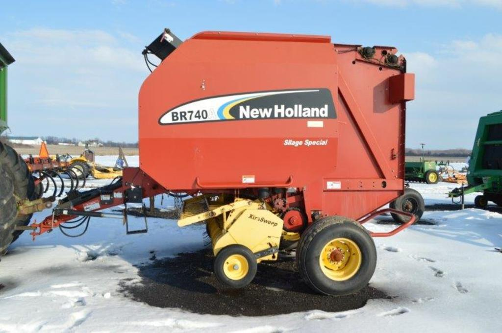 NH BR740A Silage Special baler w/ string tie extra sweep, 540 PTO, moniter
