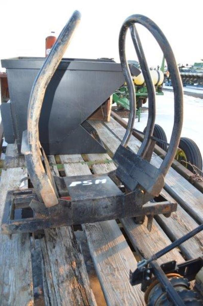Horst tractor mount bale grabber w/ Hyd