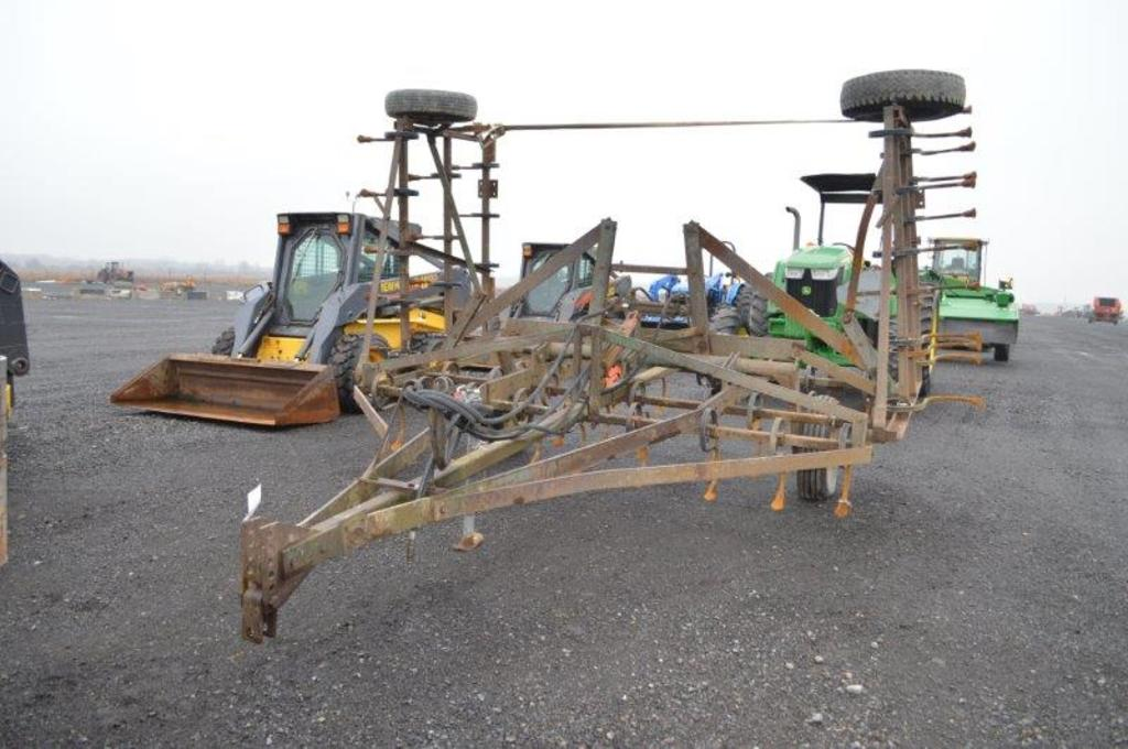 Brillion 20' Field culivater w/ packer hitch and Hyd