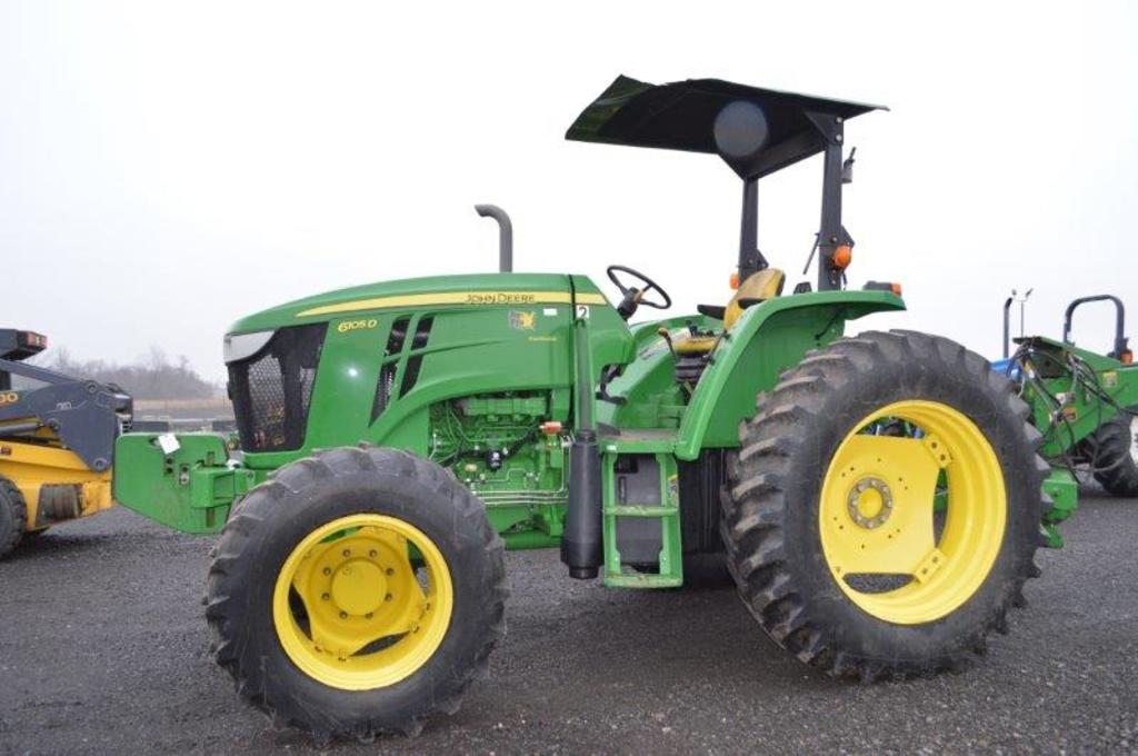 '14 JD 6105D tractor w/ 1,724 hrs, 4wd, 3 remotes,  9 speed w/ left hand re