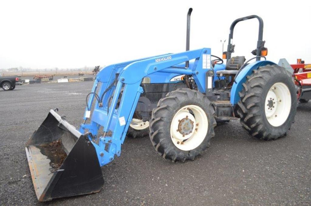 NH TN75 tractor w/ quick attach loader, 4wd, left hand reverser, 574 hrs, 3