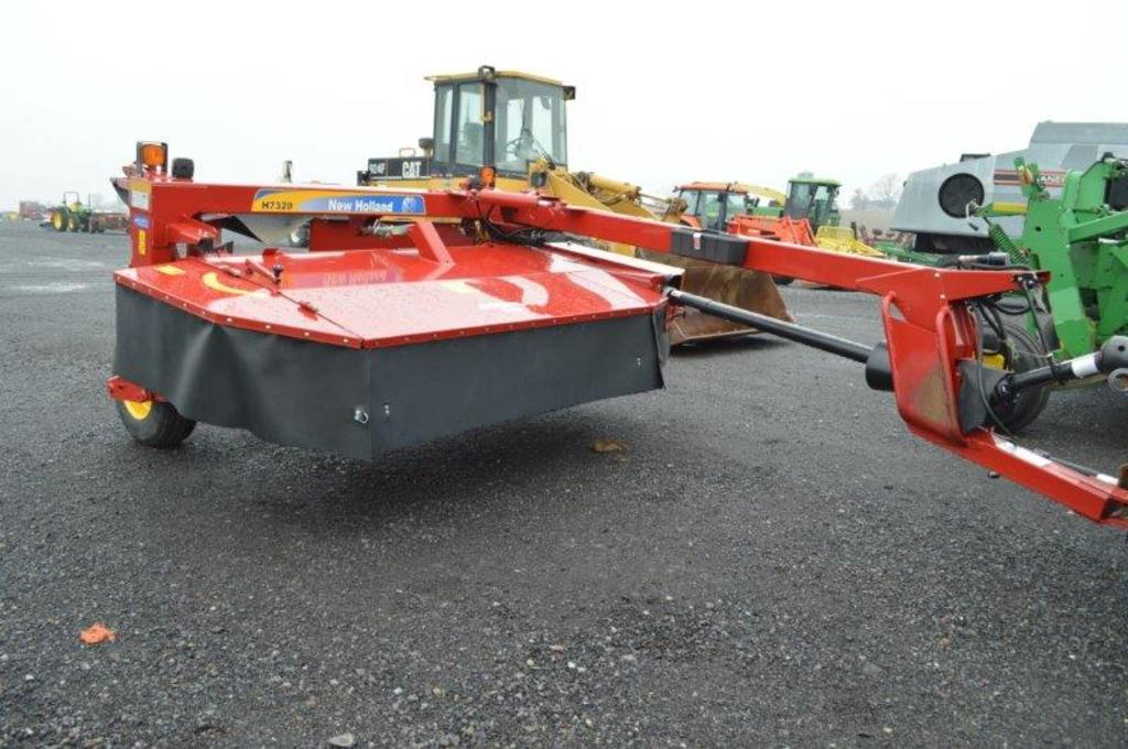 '18 NH H7320 discbine w/ flail conditioners (only used on 100 acres since n