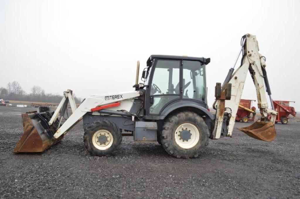 '07 Terex 760B back hoe w/ Extenda how, 4wd, 5,431 hrs, 19.5L-24 rear rubbe