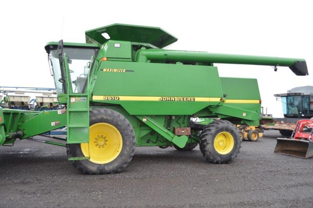 JD 9610 Maximizer combine w/ 4wd, 3,853/2,775 hrs, Ag Leader PF3000 yield m