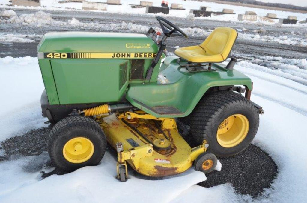 "JD 420 w/ 62"" deck, 3pt, power steering, hydro, gas"
